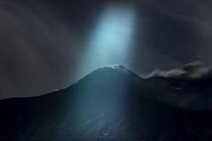 Alessia Scarso astrofotografa astrofotografia vulcano Etna raggi di luna