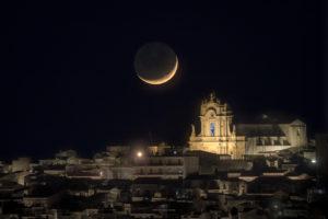 Astrofotografa Alessia Scarso astrofotografia Panorama Modica paesaggio notturno città barocca Unesco luna 4%