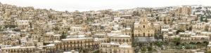 Alessia Scarso fotografa Panoramica della città di Modica innevata