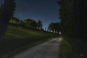 Astrofotografa Alessia Scarso astrofotografia strada sterrata cielo stellato paesaggio notturno