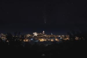 Astrofotografa Alessia Scarso astrofotografia paesaggio notturno presepe cometa neowise