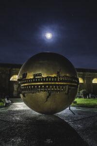 alessia scarso astrofotografa astrofotografia luna piena musei vaticani arnaldo pomodoro